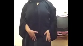 arab hijab plumper chick doing web cam demonstrate.