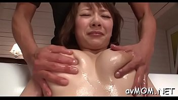 pretty chinese mommy i would like to nail.