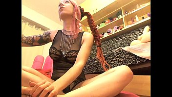 supah-hot sofi mora flashing vag on live web cam