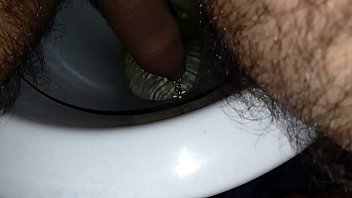 correct method to urinate for fellows