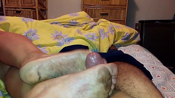 arabic married mature humungous smelly sloppy feet jism.