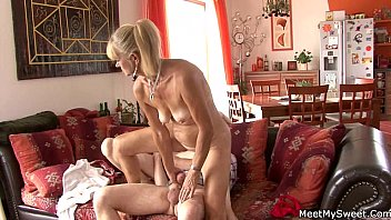 abnormal parents tempts their son039_s gf