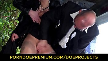 SM BUDDIES - Torture session in MMF German threesome