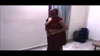 indian bhabhi dance with devar in.