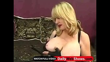 mature cougar with fine assets plays with a.